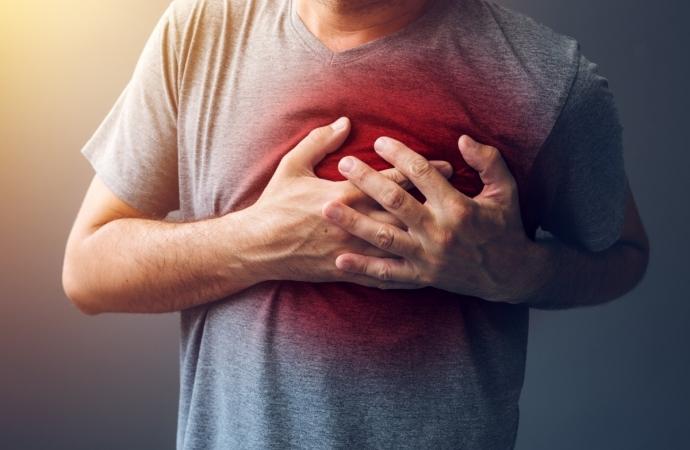 syndrome cardiaque de Noël: quand il fait littéralement mal au cœur